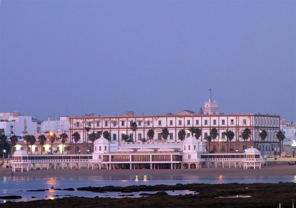 Anochecer en la playa de la Caleta de Cádiz - Balneario de la Palma - David Ibáñez Montañez