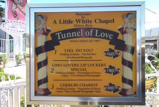 560px_Graceland Chapel_J_R_Ramos