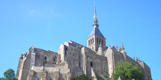 560px_abadia mont saint michel