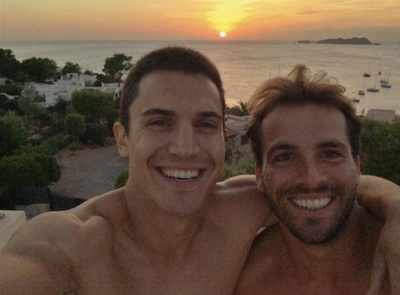 El verano del actor Álex Martínez ha sido repleto de trabajo, pero siempre hay tiempo para un selfie en Ibiza