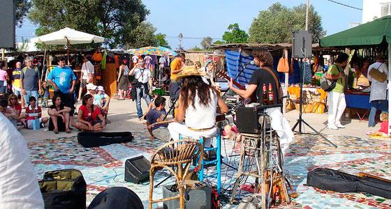 Feria Artesanal de La Mola, en Formentera, es uno de los mercados más bonitos de España.