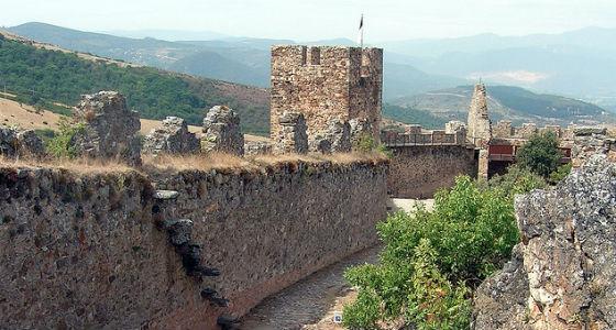 Castillo de Cornatel: Castillos con encanto