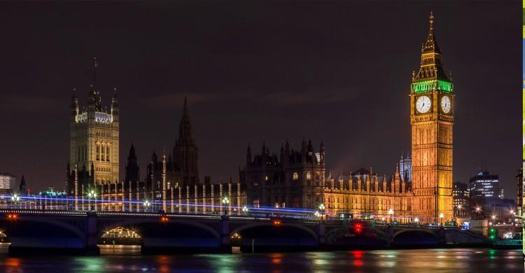 Big Ben de noche (iStock)
