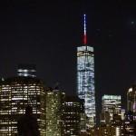 El mundo se ilumina con la bandera de Francia enhellip
