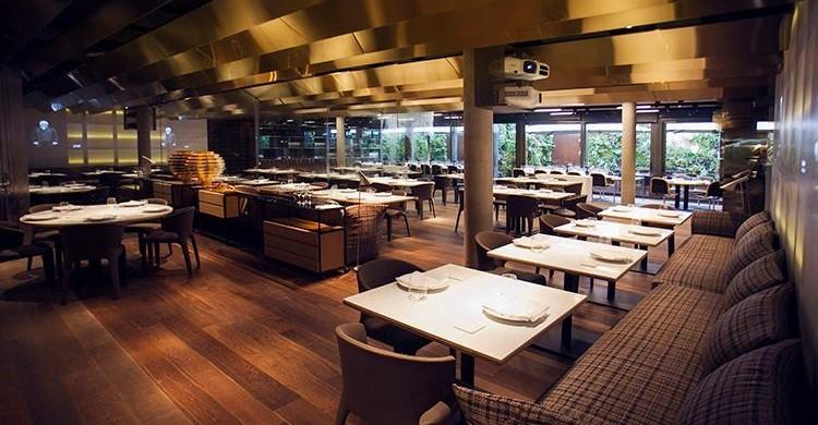 Sala del restaurante Montvínic