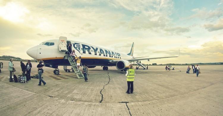 Ryanair aeropuerto de Santander - Juanedc (Flickr)