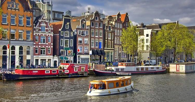 Conocer la ciudad desde el agua (iStock)