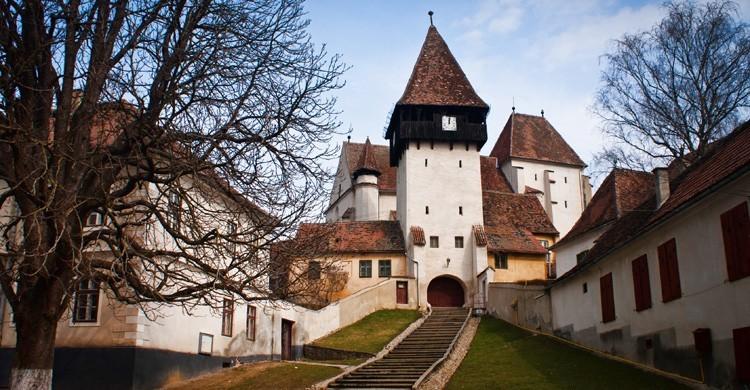 Iglesia fortificada de Bazna (wikimedia.org)