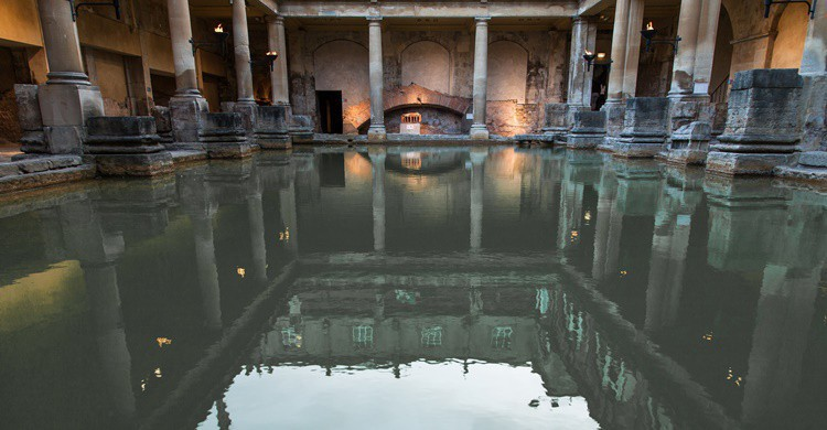 Termas romanas de Bath. SuperCar-RoadTrip.fr (Flickr)