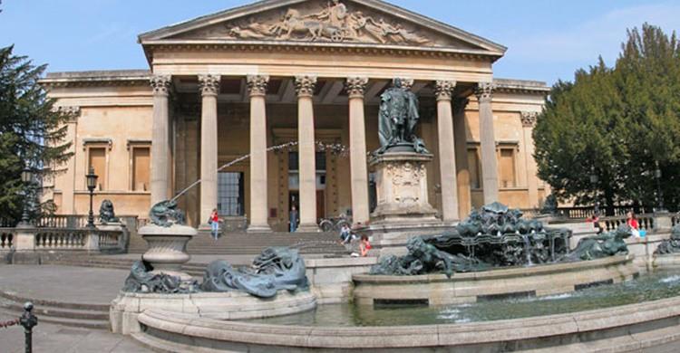 Victoria Rooms, un teatro del siglo XIX para 700 espectadores en la Universidad de Bristol. (http://www.bristol.ac.uk)