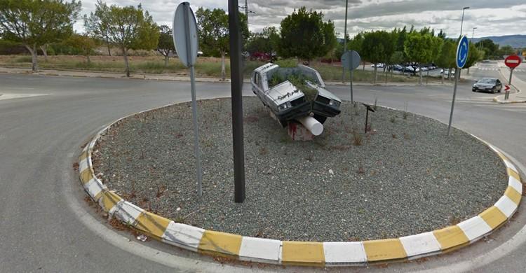 Rotonda del coche partido en Murcia (GoogleMaps)