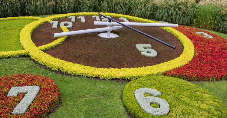 Reloj de las Flores en el Jardín Inglés (iStock)
