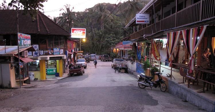 Vista de una de las calles de Montezuma. Dave Brenner (Flickr)