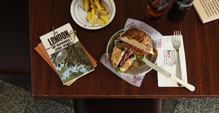 Haburguesa (www.grupolamusa.com/cafeteria-hd)