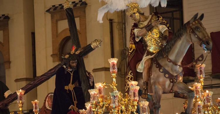 Santísimo Cristo de las Tres Caídas, de la Hermandad de la Esperanza de Triana, en la Madrugá. Jaime López (Flickr)