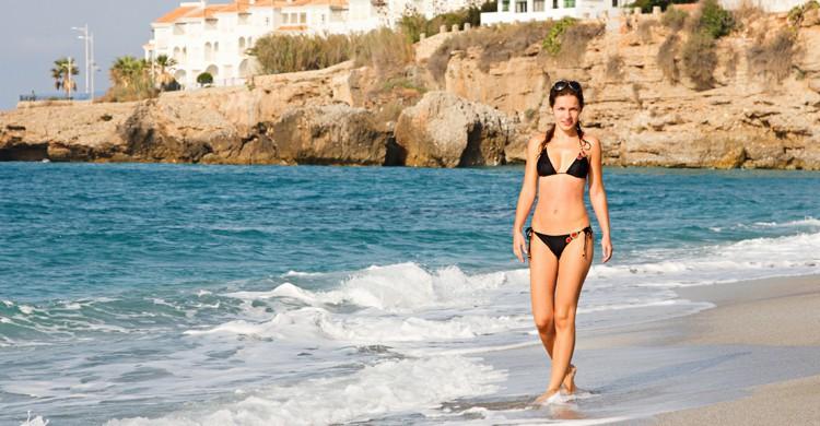 Las playas de Málaga y su provincia reciben la visita de muchos turistas ya en Semana Santa (iStock)