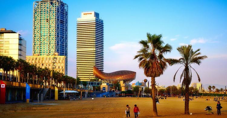 Vista parcial de Barcelona, de la zona del Puerto Olímpico. Moyan Brenn (Flickr)
