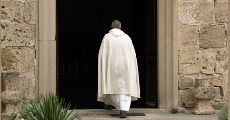 monjes ermitaños en Burgos (https://yermocamaldulense.wordpress.com/)