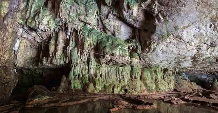 Cueva Tham Lod (Istock)
