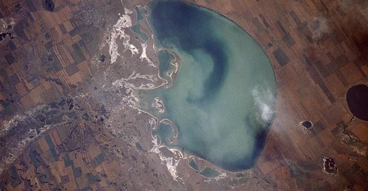 Lago Azul en Siberia, Rusia (Flickr)