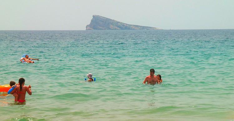 Benidorm y su mítica isla. Jose A. (Flickr)