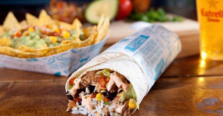 Takombo de burrito. Tako Away (Facebook)