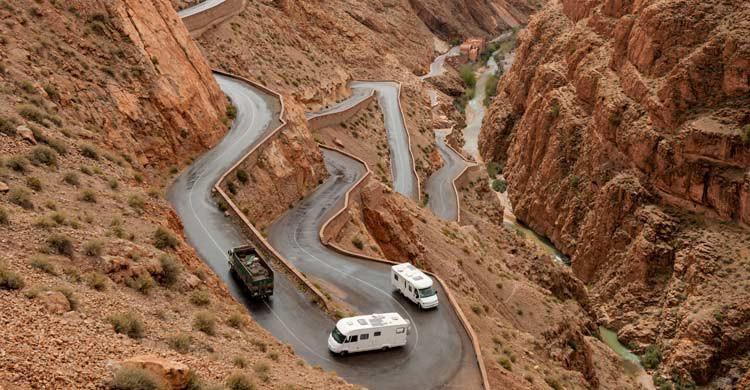 Una sinousa carretera marroquí (iStock)