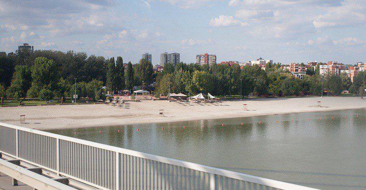 Playa urbana y fluvial de Štrand.Alen Čabrić (Flickr)