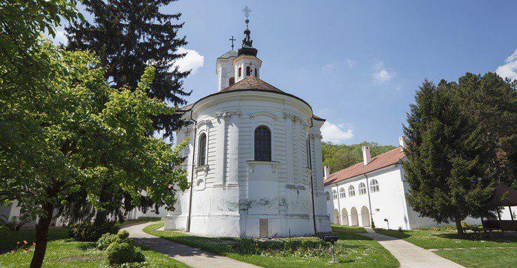Monasterio en Fruška Gora. Sstajic (iStock)