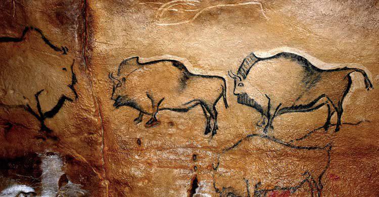 Pintura rupestre en la cueva de La Covaciella (cuevadelbosque.com)