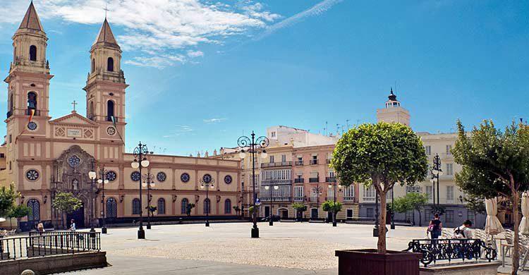 Plaza de San Antonio (wikimedia.org)