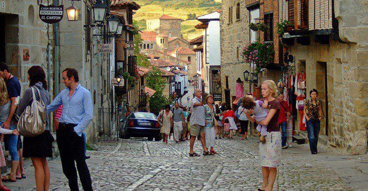 Calle del centro de Santillana del Mar. Oleg Sidorenko (Flickr)