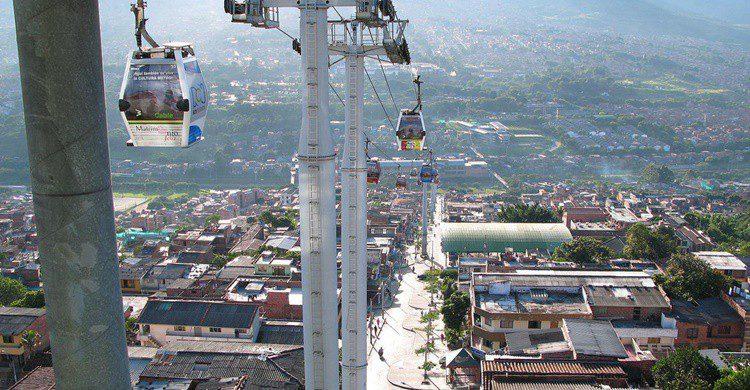 Teleférico de Medellín, un medio de transporte más allí. Ben Bowes (Flickr)