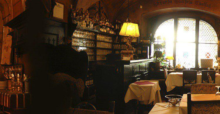 Restaurante Mecenase (http://www.umecenase.cz/en/restaurant-historie.php)