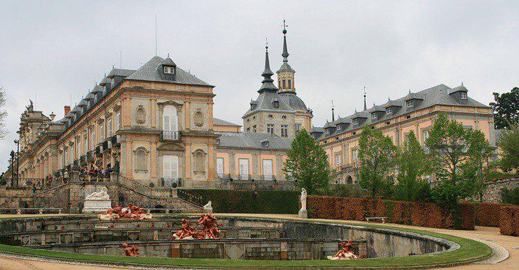 Palacio de la Granja y una de las fuentes. Miguel Ángel García. (Flickr)
