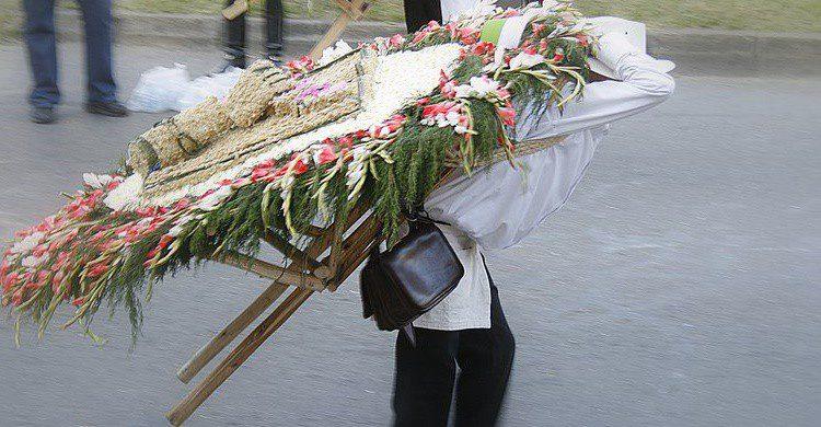 Silletero durante la Feria de las Flores. Felipe Martínez (Flickr)