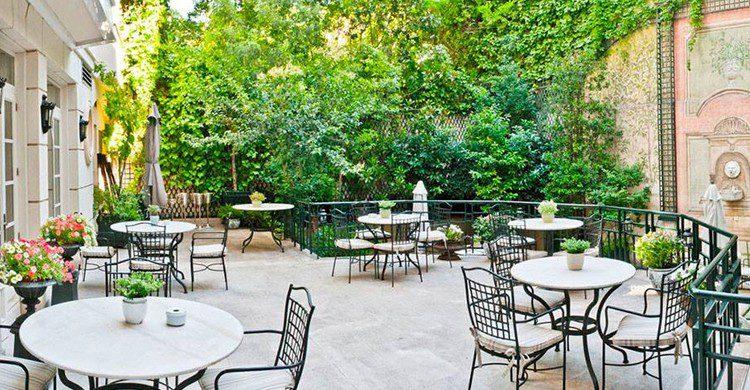 Cena en el jardín (Relais & Chateaux Hotel Orfila, Facebook)