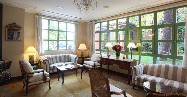 Salones (Web del hotel Quinta de los Cedros)