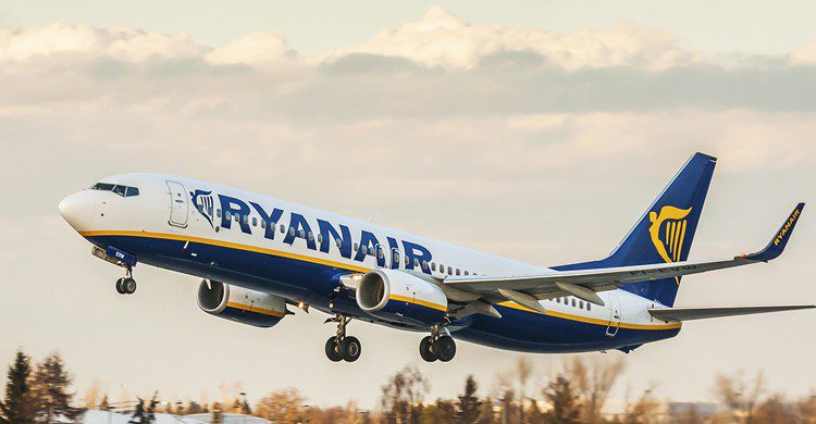 Avión de ryanair II (iStock)