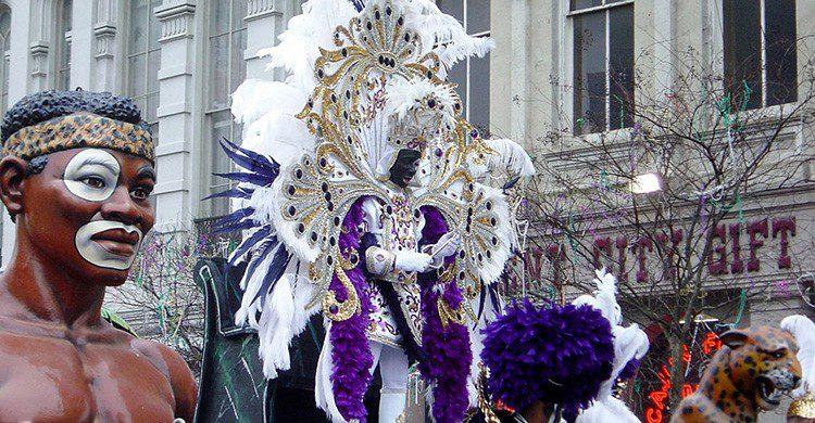 Carro alegórico en la Cabalgata de Zulu, durante el Mardi Gras de Nueva Orleans