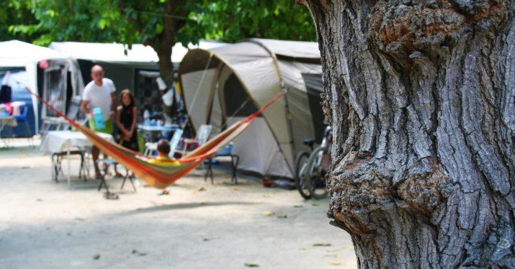 Tienda de campaña - www.campingstarragona.es