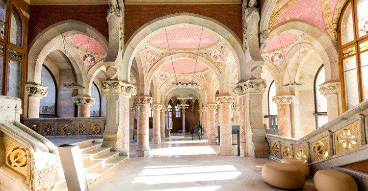 Imagen de uno de los vestíbulos. Sant Pau Recinte Modernista (Flickr)