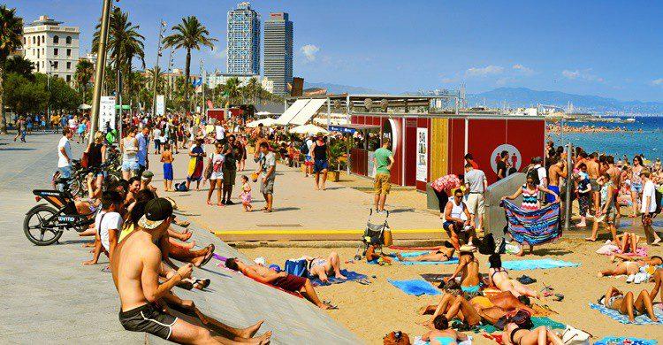 Playa de Barcelona. Nito100 (iStock)
