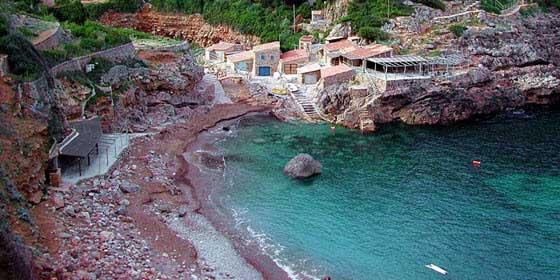 Cala Deià es una de las calas más populares entre los mallorquines