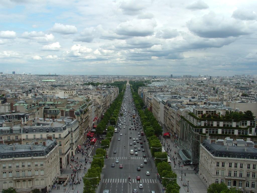 Champs-Elysees-InSummer @Simon Laird
