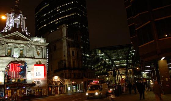 560px_Victoria_Palace_theatre