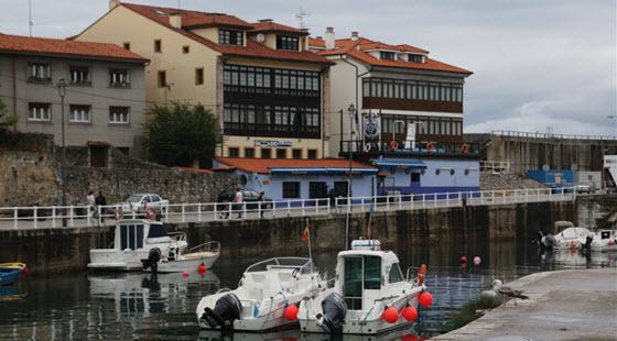 llanes puerto