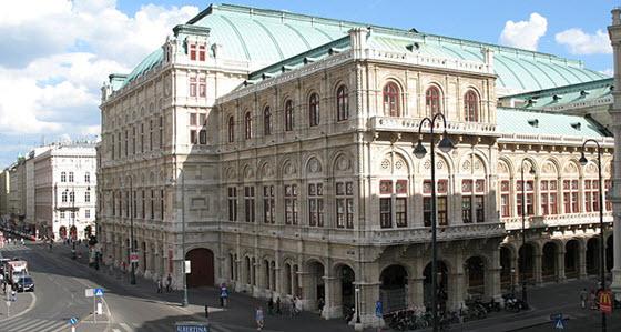 560px_Wien_-_Staatsoper_from_Albertina