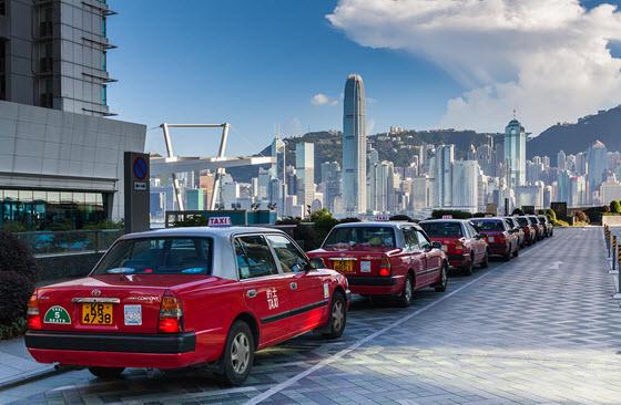 El International Commerce Center destaca en el skyline de Hong Kong