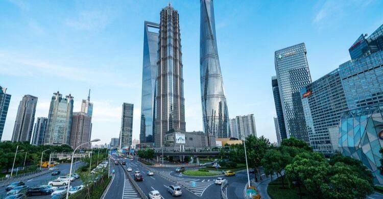Shanghai Tower (istock)